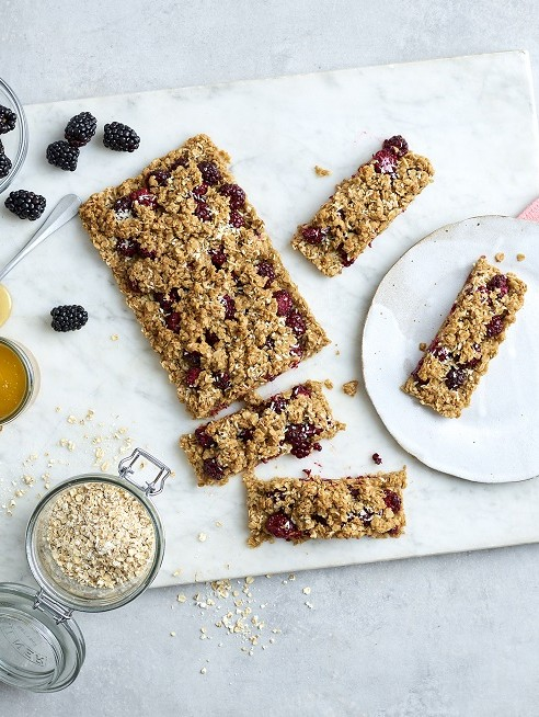 Blackberry Crumble Tray Bake